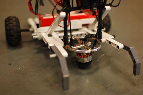 Robot con control de direcci�n hemisf�rico
