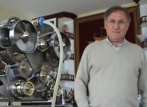 El motor V-12 m�s peque�o del mundo hecho por un jubilado Gallego