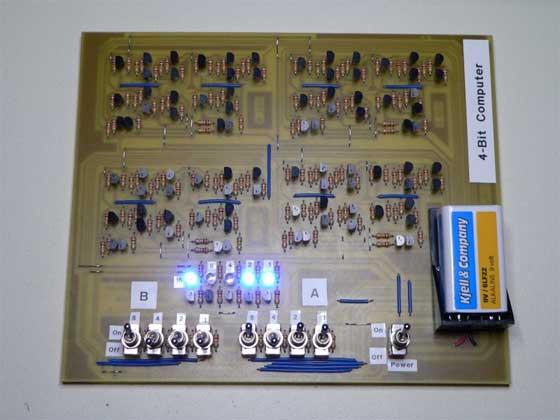 Ordenador casero de 4 bits hecho con transistores