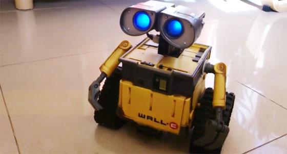 Robot wall e con arduino y reconocimiento de voz