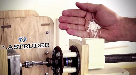 Fabrica tu propio filamento para tu impresora 3D con Filastruder
