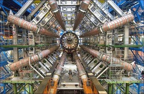 LHC: �Y si el bos�n de Higgs viajase en el tiempo?