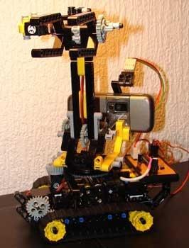 (Video) TEMO: El robot controlador por Internet con un móvil