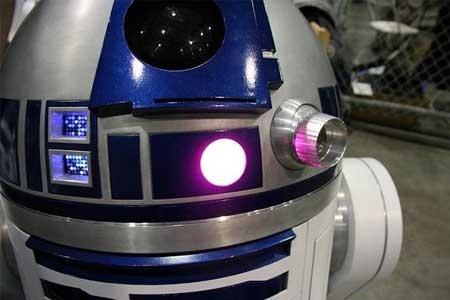 (Video) Robot R2-D2 de Chris James