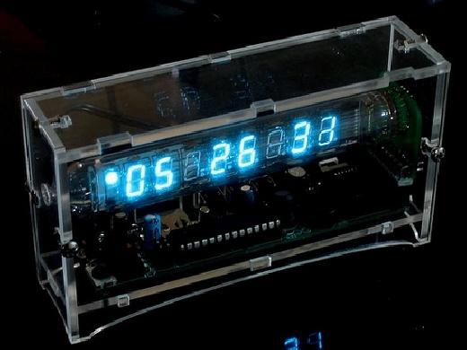IceTube: Reloj de mesita con tubo VFD