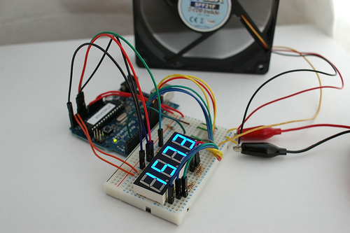 Cómo leer las revoluciones de un ventilador con Arduino