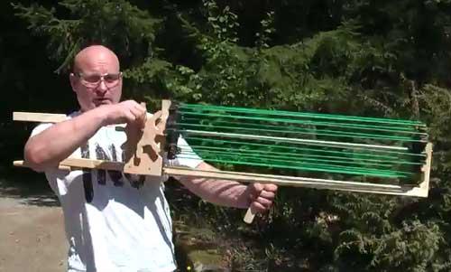 Tirachinas automático casero estilo ametralladora