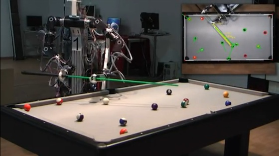 Robot jugador de billar