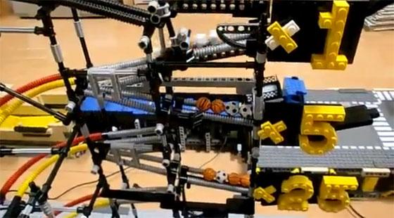 Impresionante máquina industrial hecha con LEGO