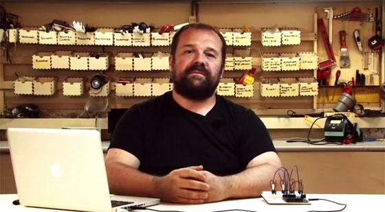 Massimo Banzi presenta el nuevo Arduino Leonardo