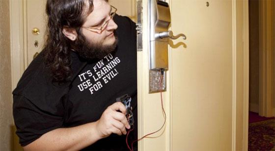 Hack que permite abrir puertas de hoteles con Arduino
