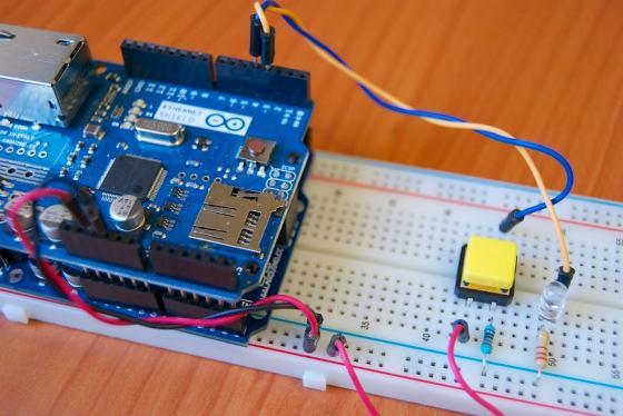 Cómo controlar Arduino desde tu móvil con NetIO