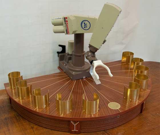 Brazo robot para servir cubalibres