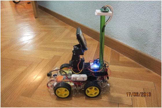 Robot autónomo controlado con teléfono Android