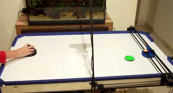 Robot Air Hockey con piezas de impresora 3D