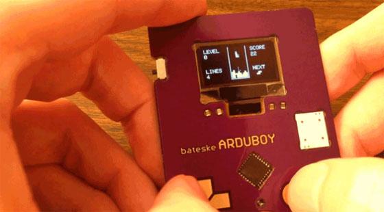 ARDUBOY: Tarjeta de visita con Arduino y el TETRIS