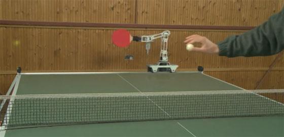 UHTTR-1: Brazo robot que juega al Ping Pong