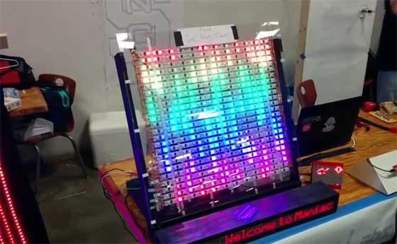 Montaje de una matriz de LED de 24x24 píxeles