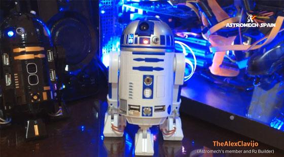 Modificación de R2D2 USB HUB por un R2 Builder