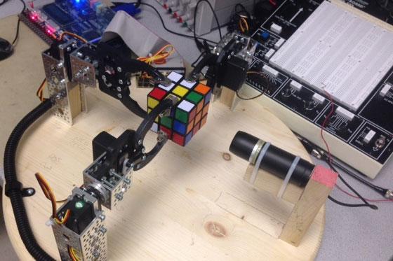 Resolviendo el cubo de Rubik con un FPGA