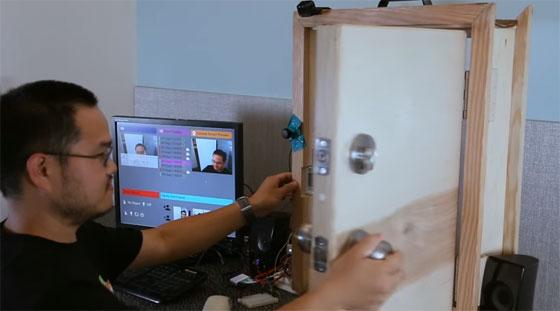 Puerta de entrada con reconocimiento facial con Windows IoT