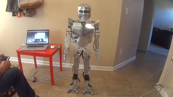 ZEUS: El robot humanoide hecho con Arduino y Raspberry Pi
