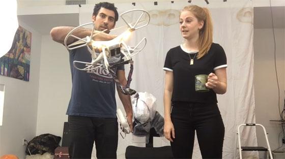 Simone Giertz y Samy Kamkar te enseñan cómo cortarte el pelo con un Drone