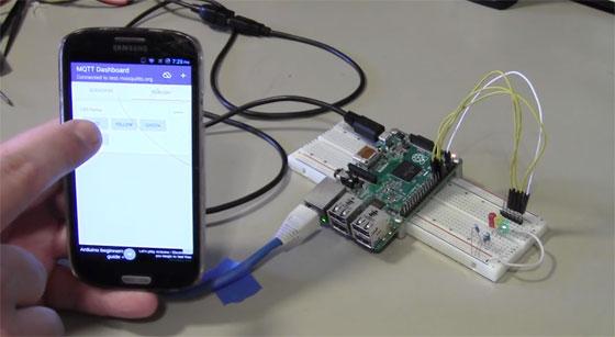 Cómo encender un LED con Raspberry Pi usando MQTT