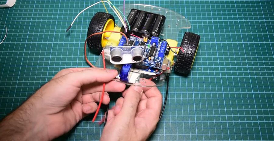 Cómo hacer un robot esquiva obstaculos con Arduino