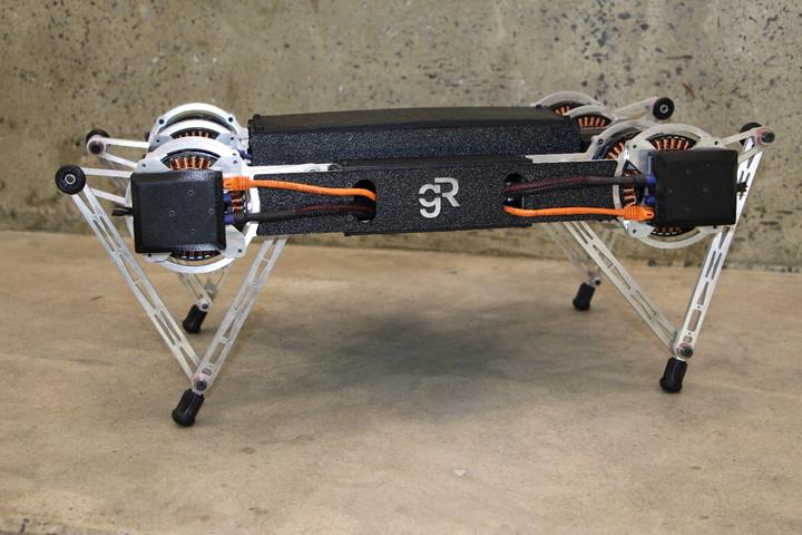 Ghost Minitaur: El robot de cuatro patas capaz de saltar casi cualquier cosa