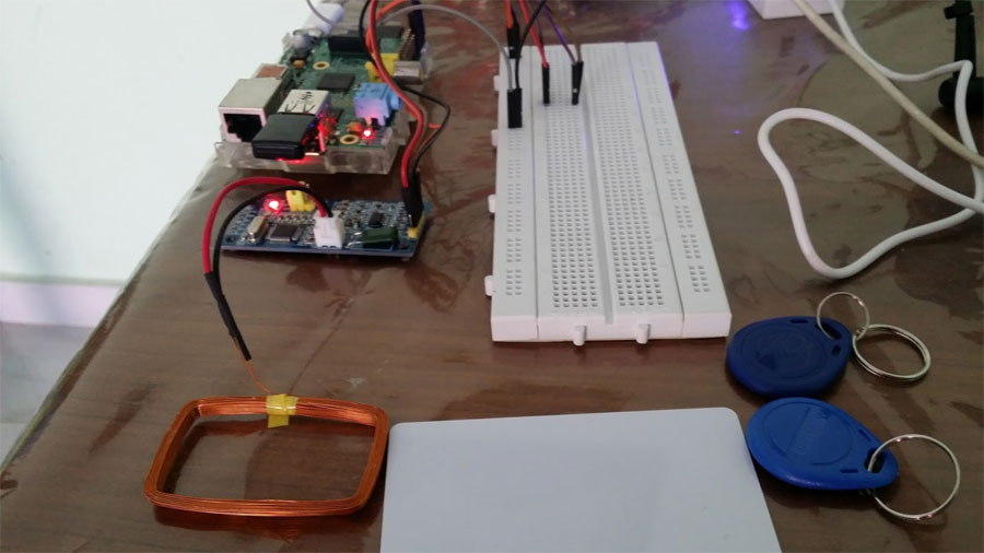 Control de parking con RFID y Raspberry Pi