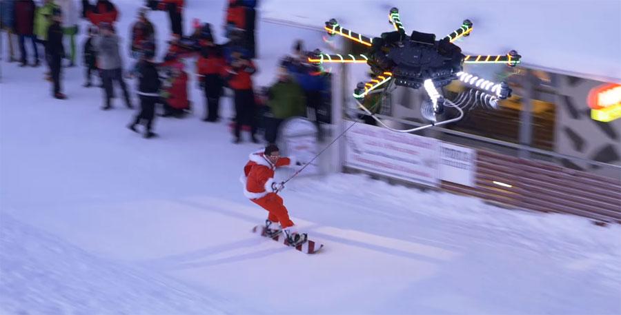 Casey Neistat haciendo snowboard arrastrado por un Dron enorme