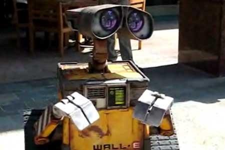 (Video) Robot Wall-E