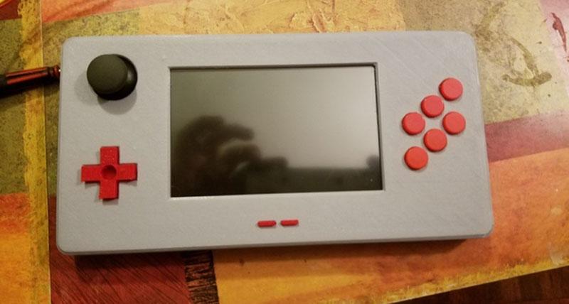 Raspberry Pi Gear: Consola de juegos impresa en 3D