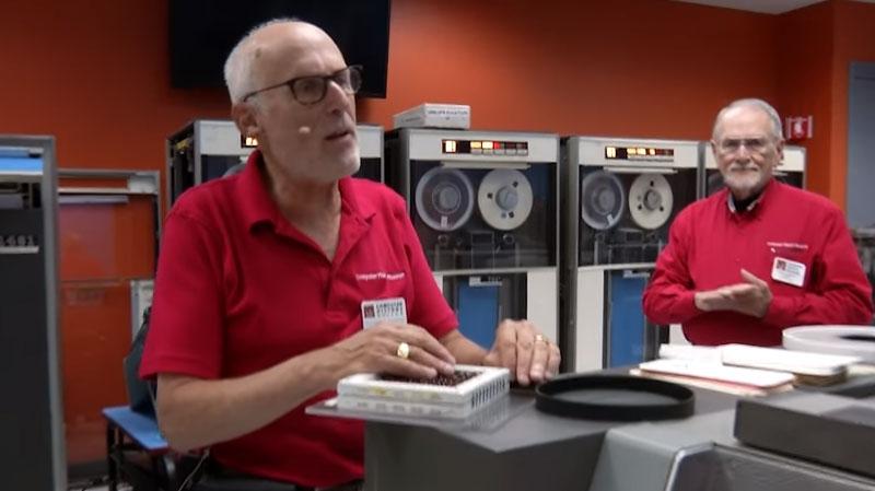 Funcionamiento de un ordenador IBM 1401