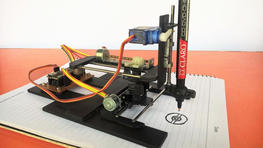 Construye una máquina de dibujo casera con lectores CD-ROM y Arduino