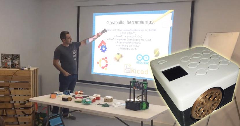 Charla de Diego Lale sobre su robot educativo Garabullo