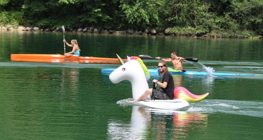 Cómo convertir el flotador de Unicornio a eléctrico