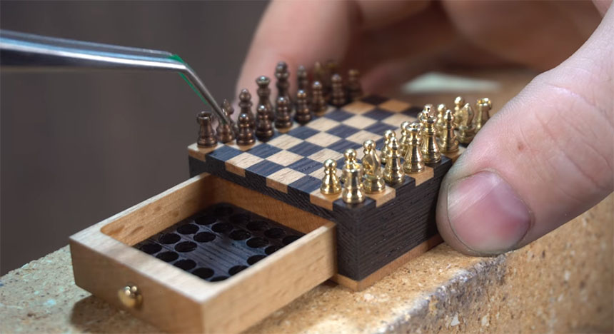 Tablero de ajedrez miniatura
