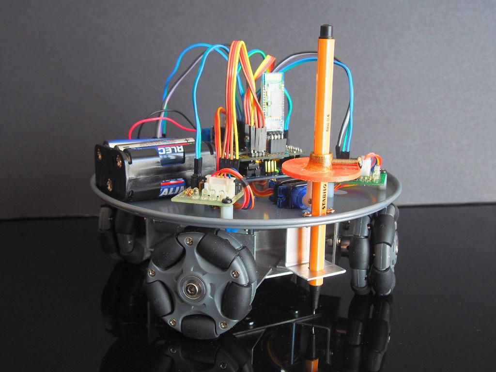Robot Plotter sobre ruedas omniwheel controlado con Arduino