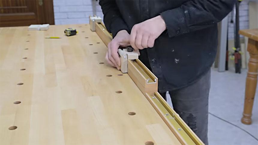 Cómo fabricar una guía de corte para banco de carpintero