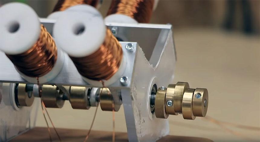 Cómo construir un motor de 4 cilindros con solenoides
