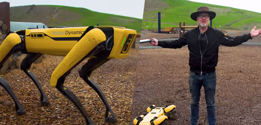 Adam Savage prueba el robot Spot de Boston Dynamics