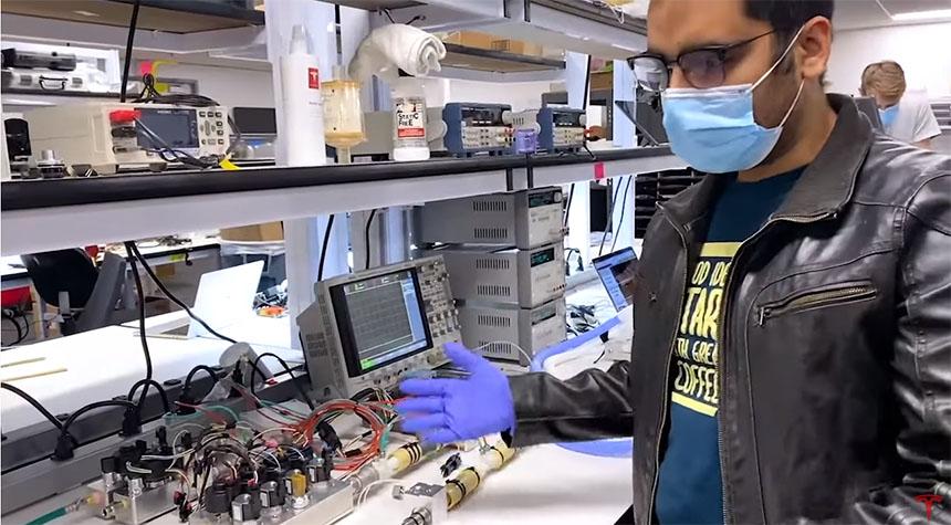 TESLA también está desarrollando un respirador con piezas del Model 3