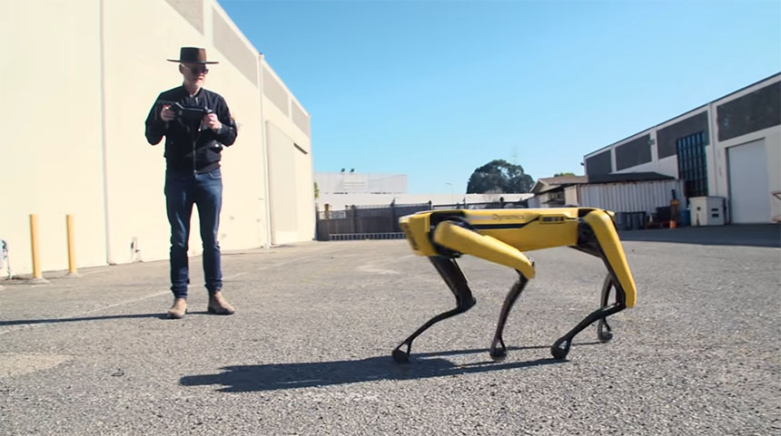 Adam Savage continua aprendiendo con su robot Spot de Boston Dynamics