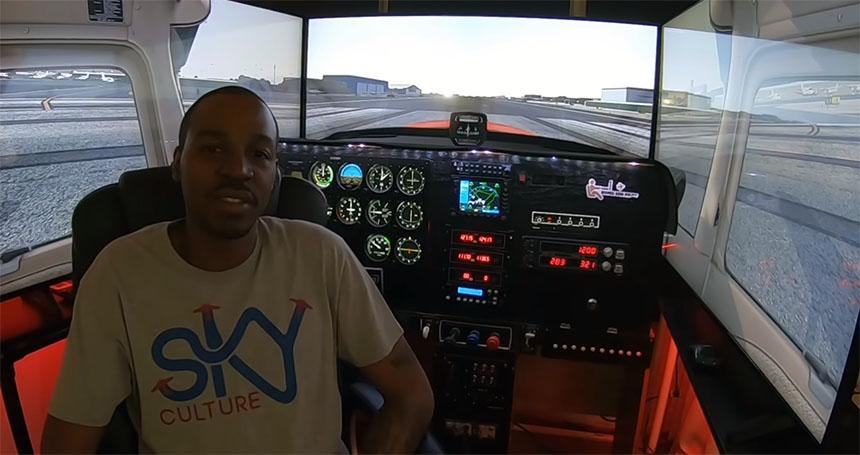 Épico simulador de vuelo XPlane 11 con 3 pantallas 4K de 55 pulgadas