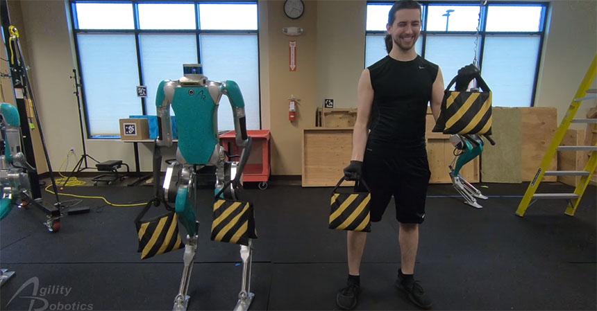 Un robot entrenador personal que te ayuda a estar en forma