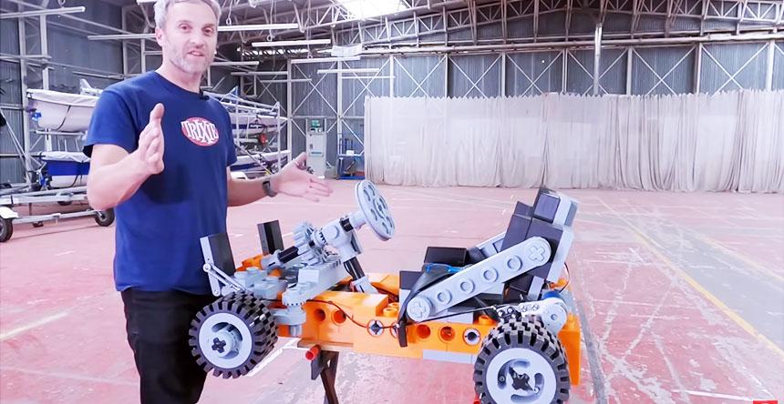 Coche Go-Kart eléctrico tipo LEGO impreso en 3D