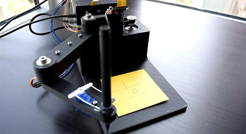 Un Robot SCARA para jugar al Tres en Raya (Tic-Tac-Toe)