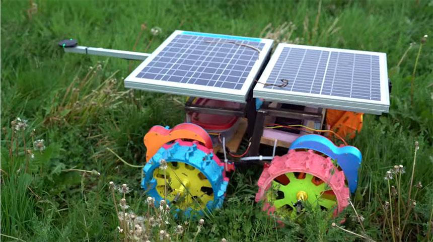 Robot ROVER con alimentación solar impreso en 3D